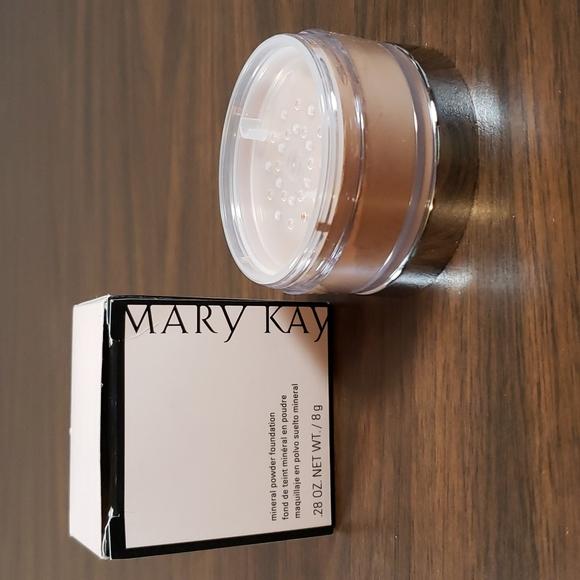 NEW Mary Kay Mineral Powder Foundation Beige 1.5